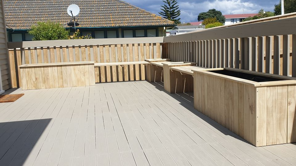 Seating and planter boxes for the Deck